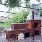 cuptor pe lemne bucatarie de vara